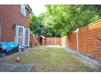 BECKTON 2 BED HOUSE BIG GARDEN DRIVE CLOSE TO SCHOOL AVAILABLE NOW
