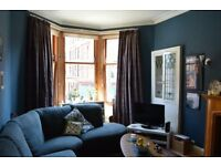 Classic, Unfurnished 2 Bedroom Tenement Flat in Glasgow's West End.