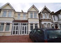 **6 BEDROOM HOUSE** IN FOREST GATE E7 ** NEWLY REFURBISHED ** LARGE GARDEN ** FRONT DRIVE **
