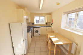 BIG DOUBLE IN SHADWELL! LUXURY FLAT! 2 WEEKS DEPOSIT ONLY!