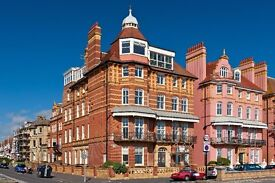3 bedroom Hove seafront flat available for rent