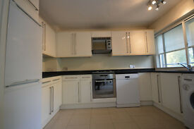 Beautiful 3 bedroom apartment with one bathroom to rent on Steele's road, Swiss Cottage