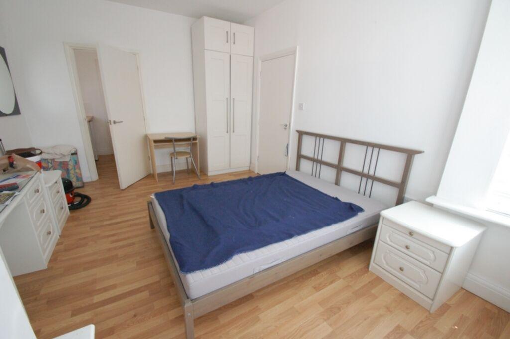 1 bedroom flat in Bertram Road, Hendon, NW4