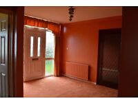 Lovely 3 Bedroom Bungalow & detached garage with spacious private mature gardens