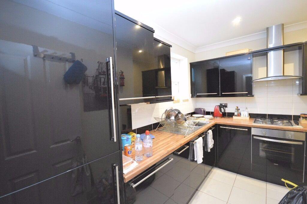 Amazing 3 Bedroom Maisonette on Mildmay Park, with high ceilings