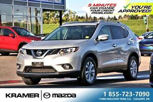 2016 Nissan Rogue SV AWD w/Panoramic Roof