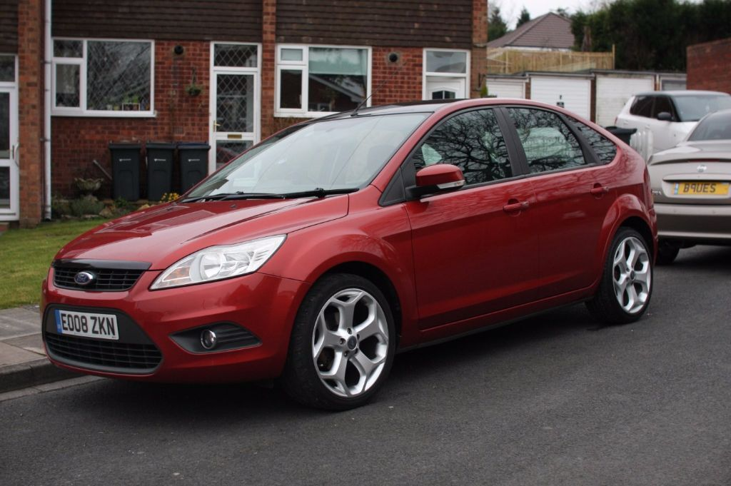 ford focus mk2 fl 2008 red 18 st alloy wheels black roof well kept in sutton coldfield. Black Bedroom Furniture Sets. Home Design Ideas