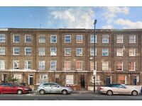 One Double Bed Top Floor Flat Located Opposite Caledonian Road Station, Minutes to Kings Cross