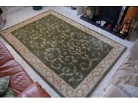 WOOL RUG AND SCATTER CUSHIONS - GREEN