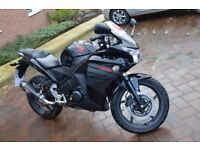Honda CBR 125 - Like New, Great Beginner Bike no mater your age !! REDUCED!!
