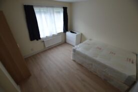 ****** DOUBLE ROOMS FOR NICE PEOPLE *******
