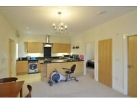 Fantastic 2 bed flat in gated complex Briercliff