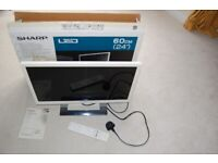 """SHARP LC 24LE250K-WH 24"""" LCD WHITE TV Chrome Stand & Remote"""
