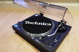 Technics SL-1210MK2 - Amazing condition - Stanton 500, rubber slip matt, cables & cover included