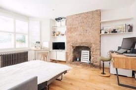 Stunning 1 bedroom garden flat moments from West Hampstead stations - Must see!