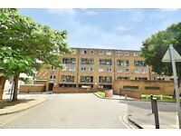 STUNNING 4 BEDROOM PROPERTY TO RENT IN SE5 - WITH A LARGE PRIVATE TERRACE AND A SPACIOUS LOUNGE