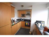 AMAZING! GYM/SWIMMING POOL! 2 Bathroom! 2 Bedroom! Luxurious Apartment! Canary Wharf! Must See!