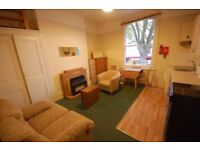 Superb location, furnished one bedroom 1st floor flat on Chiswick High Rd.