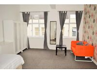 DOUBLE EN-SUITE ROOM AVAILABLE FOR RENT IN WHITECHAPEL, MINUTES WALK TO ALDGATE STATION