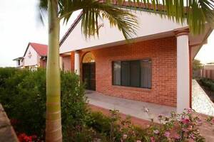 Luxary furnitured 4 bed room house in Robertson for short lease Robertson Brisbane South West Preview