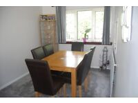extending dining table and 6 chairs must collect