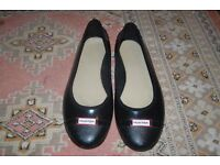 Ladies Black HUNTER flats size 7 41 UK. WORN ONCE, COLLECTION FROM WHITBY OR CAN POST FOR A FEE.