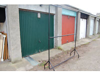 HEAVY DUTY CLOTHES RAILS WITH CENTRAL BAR GARMENT HOME SHOP STORAGE DISPLAY