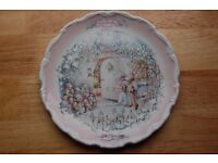Royal Albert Bone China Collectors Plate - Wind In The Willows Christmas 'The Carol Singers'