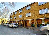Well located 4 bed 2 bath house with private garden near Oval Tube Station - SW9