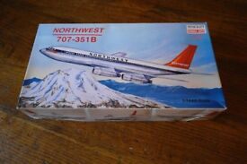 NORTH WEST BOEING 707 ~ Mini-craft model kit. Scale 1.44