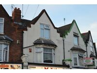 FULLY FURNISHED, 3 BEDROOM FLAT LOCATED ON SLADE ROAD, ERDINGTON - £40/£50 PER ROOM