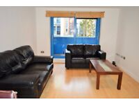 AVAILABLE IMMEDIATELY - 3 DOUBLE BEDROOM APARTMENT IN EXCEL E16