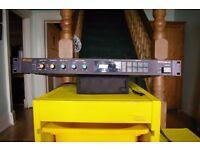 Roland SDE1000 Vintage digital delay unit