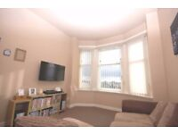 **Fully Furnished** 1 Bedroom Top Floor Flat to Rent in Renfrew