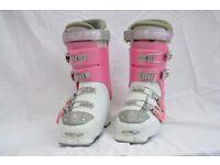 Pink atomic ski boot size 5