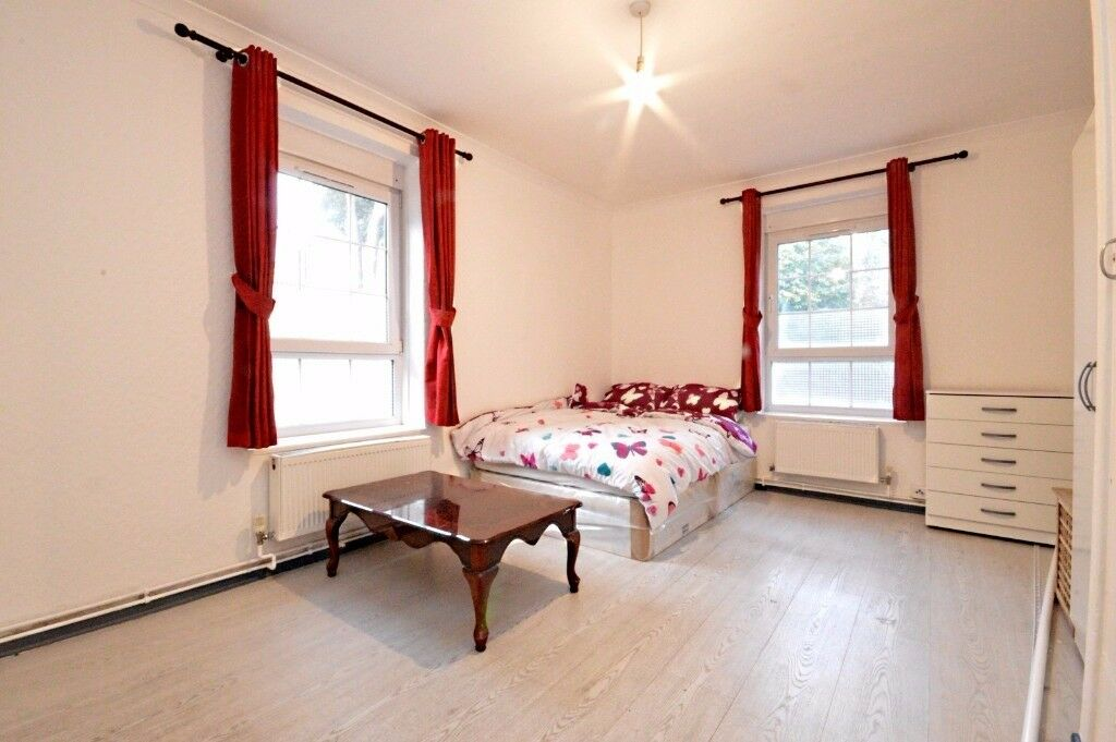1 bed Flat Available to rent in Wapping * DSS Accepted* Sharers Welcome*