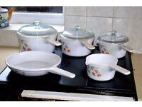 Corning 'Vision' pot and pan set.