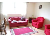 Lovely family home. All amenities such as schools, shops, buses nearby. Drying yard and shed.