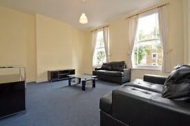 3 bedroom flat in Sussex Way, Islington