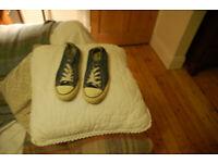 Converse denim style lace up canvas shoes size 5