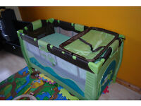 Baby bed travel cot 0-36 months from smoke and pet free home (with or without the mattress)
