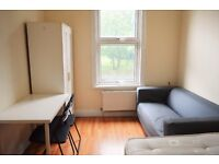 CALL NOW - SPACIOUS 4/5 BEDROOM AVAILABLE IN MILE END, ZONE 2, QUEEN MARY STUDENTS WELCOME