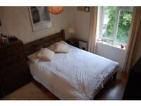 Cosy and spacious 2 bedroom flat. Right next to Sutton Common train station!