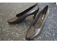 Black Leather Clark Shoes Size 51/2