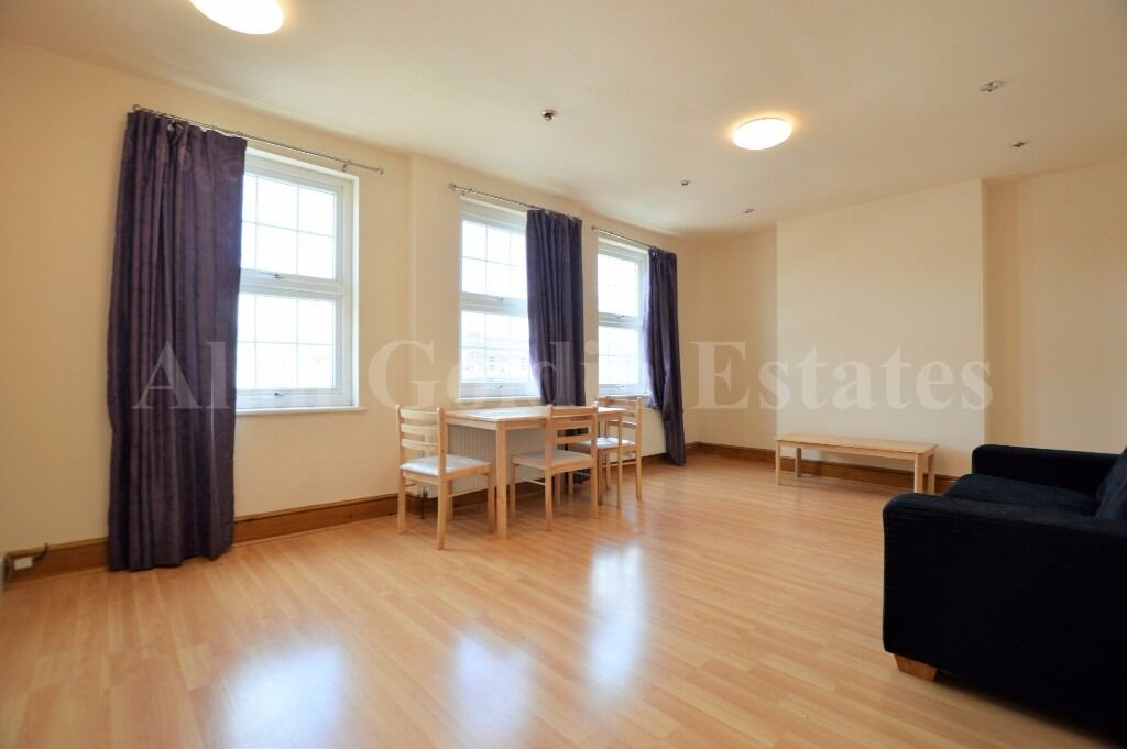 LARGE one bedroom flat in Golders Green - Available Now