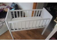Lovely baby Crib for sale £20