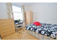 Short & Long Let, Doubel and Single room, house with living room, next to station.