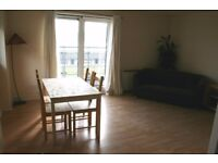Docklands E16. *AVAIL NOW* Newly Redecorated Light & Spacious 2 Bed 2 Bath Furnished Flat + Balcony