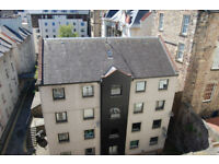 Old Town, Bell's Wynd, Off Royal Mile. Two bedroomed modern apartment in quiet location