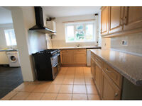 ** HURRY ** 4 BEDROOM SEMI-DETACHED HOUSE FOR RENT IN CROYDON **